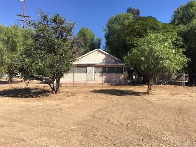 Wildomar Single Family Home For Sale: 21903 Lemon