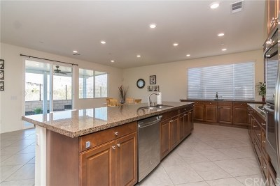 Murrieta Single Family Home For Sale: 31818 Wild Ginger Place