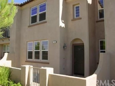 Murrieta Condo/Townhouse For Sale: 35960 Lindstrand Avenue #5