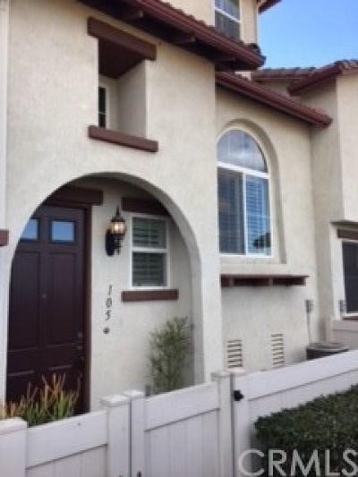 Murrieta Condo/Townhouse For Sale: 33520 Willow Haven Lane #105