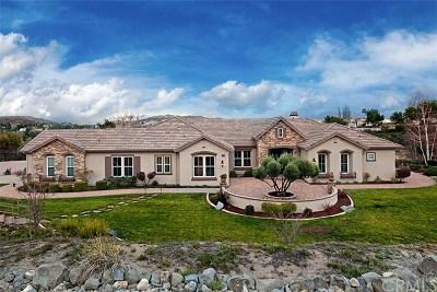 Murrieta Single Family Home For Sale: 39950 Calle Bandido