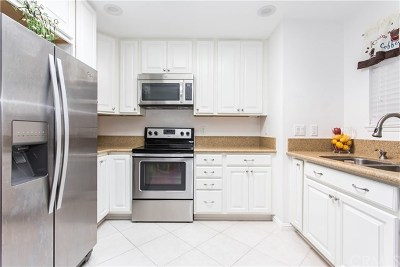Oceanside Condo/Townhouse For Sale: 3597 Pear Blossom Drive