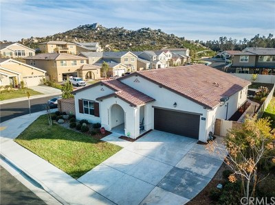 Menifee Single Family Home For Sale: 25365 Wild View Road