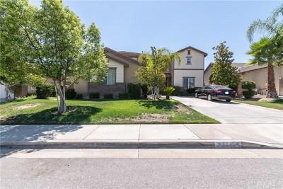 Murrieta Single Family Home For Sale: 23711 Tatia Drive