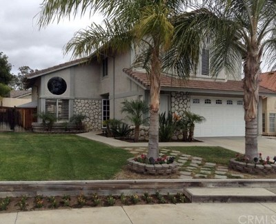 Murrieta Single Family Home For Sale: 24452 Mooncrest Court