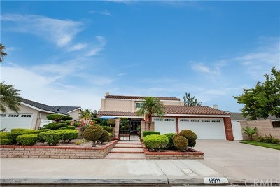 Huntington Beach Single Family Home For Sale: 19911 Briarly Lane