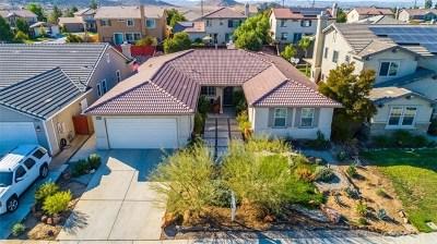 Menifee Single Family Home For Sale: 27045 Half Moon Bay Drive