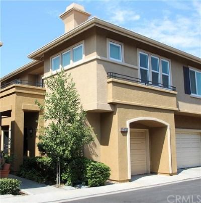 Orange Condo/Townhouse For Sale: 5131 E Henley Place #A