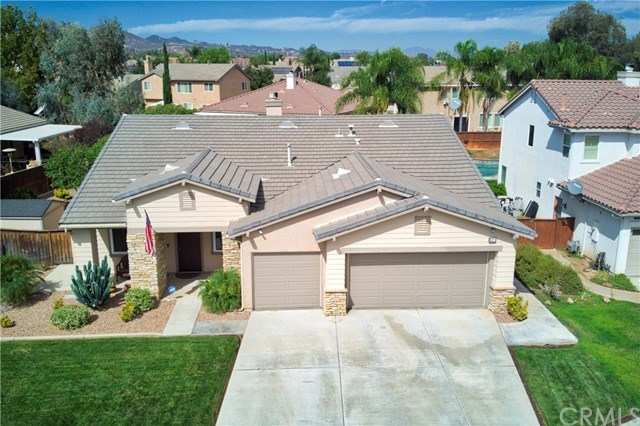 Pleasant 4 Bed 2 Bath Home In Murrieta For 419 900 Home Interior And Landscaping Pimpapssignezvosmurscom