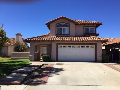 Murrieta Single Family Home For Sale: 25093 Via Las Lomas