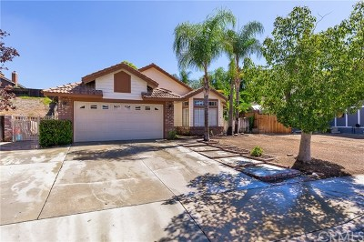Wildomar Single Family Home For Sale: 33666 Cherry Street