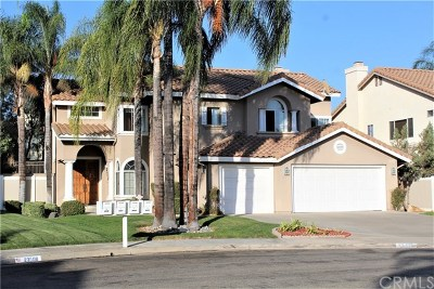 Murrieta Single Family Home For Sale: 23516 Gingerbread Drive