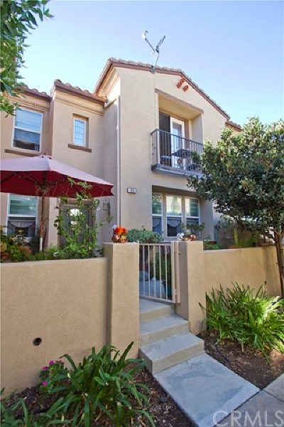Murrieta Condo/Townhouse For Sale: 28298 Socorro Street #105