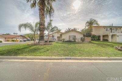 Canyon Lake Single Family Home For Sale: 23281 Canyon Lake Drive N