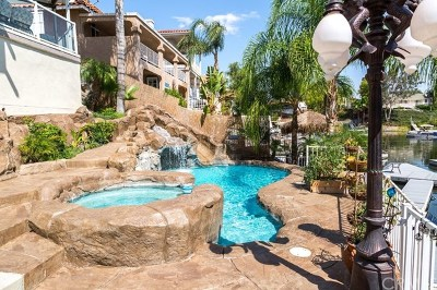 Canyon Lake Single Family Home For Sale: 22853 Canyon Lake Drive N