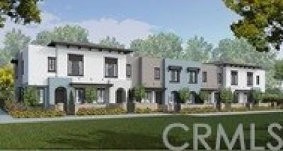 Vista Condo/Townhouse For Sale: 2121 Solara Lane