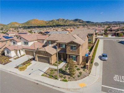 Lake Elsinore Single Family Home For Sale: 29302 First Green