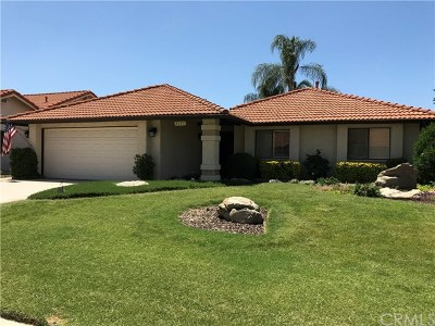 Hemet Single Family Home For Sale: 2195 Sequoia