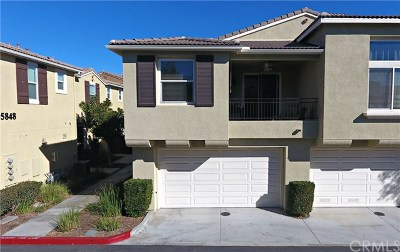 Murrieta Condo/Townhouse For Sale: 35860 Lajune Street #3