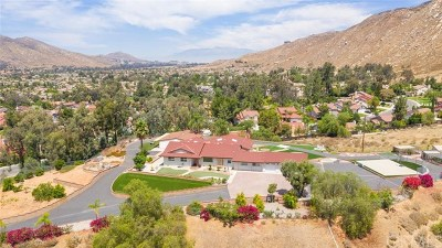 Moreno Valley Single Family Home For Sale: 10374 Lake Summit Drive