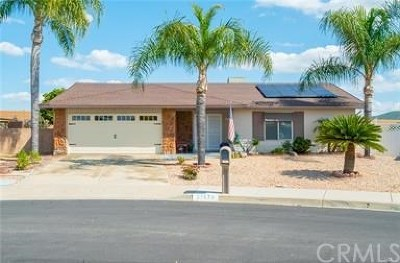 Menifee Single Family Home For Sale: 27970 Foxfire Street
