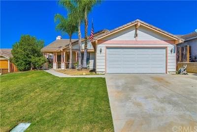 Wildomar Single Family Home For Sale: 33589 Tamerron Way