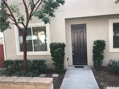 Murrieta Condo/Townhouse For Sale: 35794 Springvale Lane #2