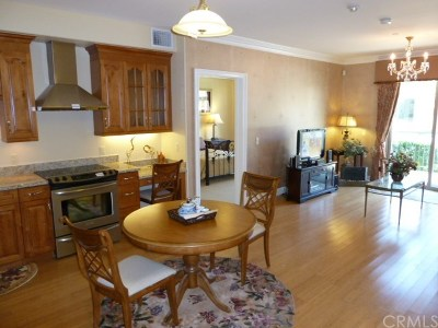 Chino Condo/Townhouse For Sale: 13798 Roswell Avenue #B120