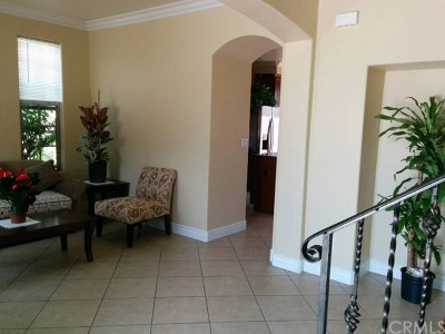 Pomona Condo/Townhouse For Sale: 1469 S Palomares Street