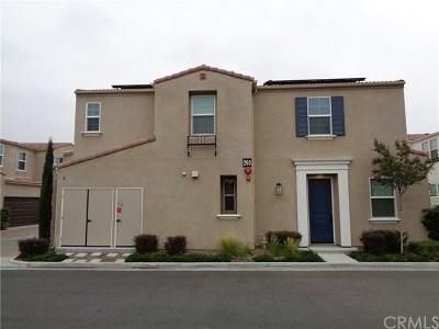 Glendora Condo/Townhouse For Sale: 295 E Arrow Highway #9
