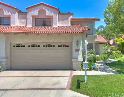 Pomona Condo/Townhouse For Sale: 1553 Via Amistad