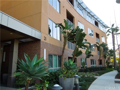 Irvine Condo/Townhouse For Sale: 21 Gramercy #418