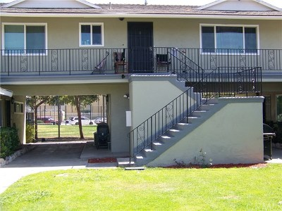 Santa Ana Multi Family Home For Sale: 942 W Bishop