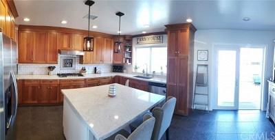 Lakewood Single Family Home For Sale: 4756 Obispo Avenue