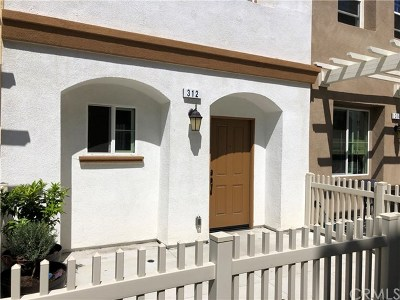 Azusa Condo/Townhouse For Sale: 312 N Calvados Avenue