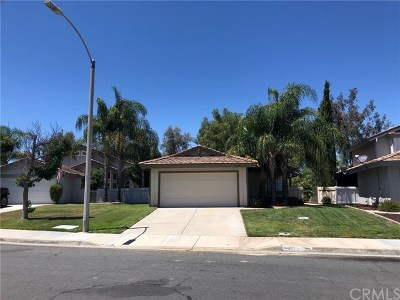 Temecula Single Family Home Active Under Contract: 31360 Paseo De Las Olas