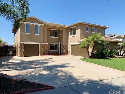Corona Single Family Home For Sale: 1447 Pinewood Drive
