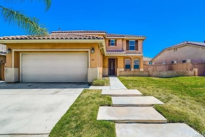 Hemet, San Jacinto Single Family Home For Sale: 216 Caldera Lane