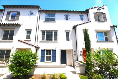 Chino Hills Condo/Townhouse For Sale: 15886 Ellington Way