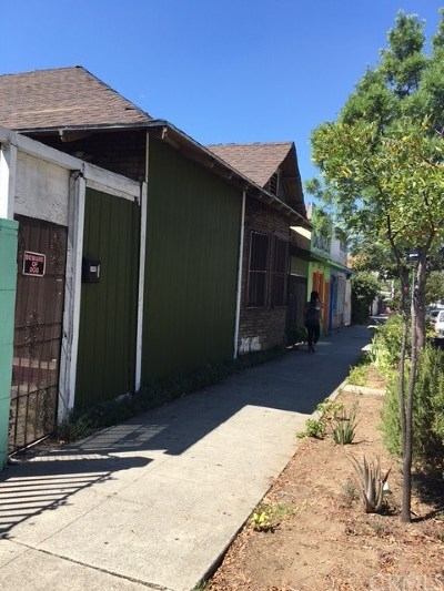 Los Angeles Multi Family Home For Sale: 3440 N Figueroa Road