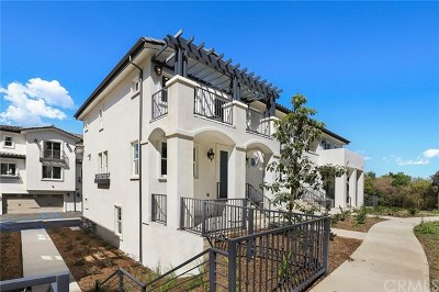 Pomona Condo/Townhouse For Sale: 2 Spyglass Ave