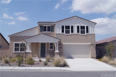 Menifee Single Family Home For Sale: 24146 Buckstone Ln