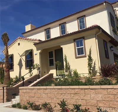 Upland Condo/Townhouse For Sale: 195 Eureka