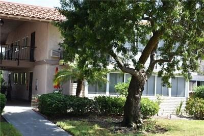 Laguna Woods Condo/Townhouse For Sale: 2118 Via Puerta #P