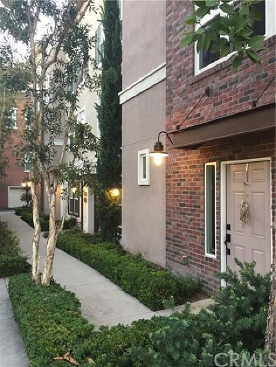 San Dimas Condo/Townhouse For Sale: 119 E Commercial Street