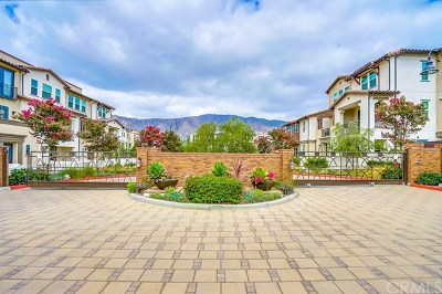 Glendora Condo/Townhouse For Sale: 629 W Foothill Boulevard #32