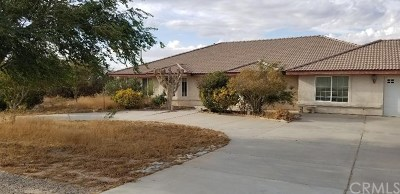 Oak Hills CA Single Family Home For Sale: $422,000