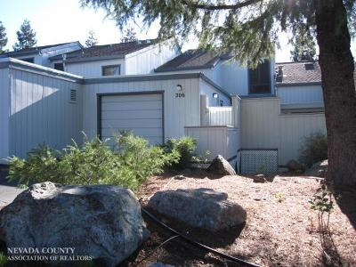 Grass Valley Condo/Townhouse For Sale: 206 Rockwood Drive