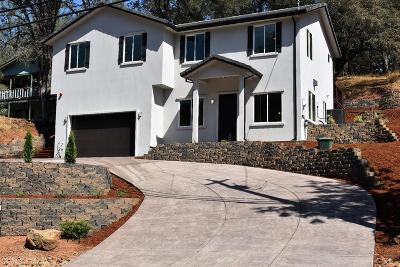 Single Family Home For Sale: 14539 Torrey Pines Drive