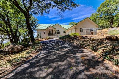 Single Family Home For Sale: 19415 Oak Country Drive